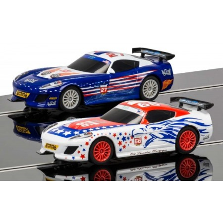 Pista masinute American GT Scalextric 5m traseu masinute GT Lightning No 27 Race Car si GT Eagle No 66 Race Car