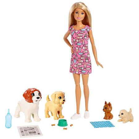 Set Barbie by Mattel Family papusa cu 4 catelusi si accesorii*