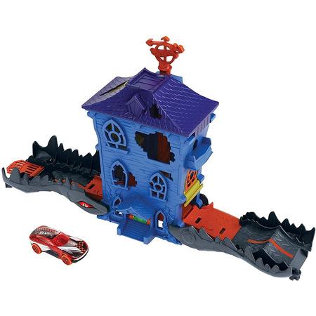 Pista de masini Hot Wheels by Mattel Croc Mansion Attack cu masinuta*