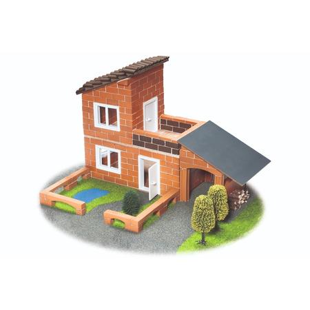 Vila cu garaj, Teifoc*